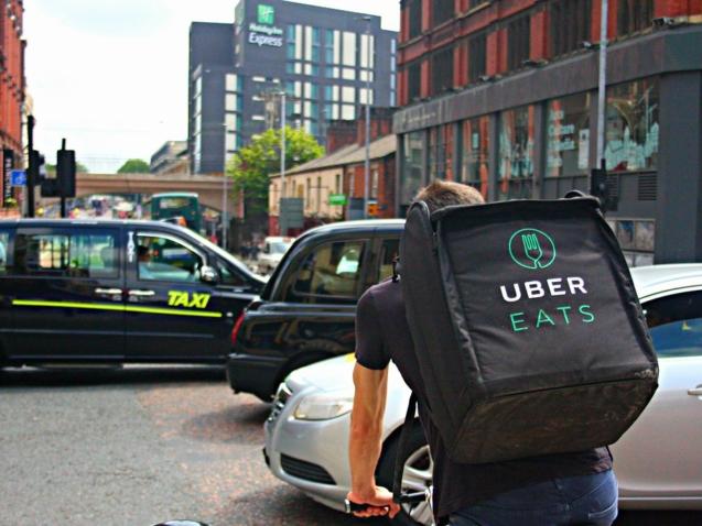 Deliveroo-UberEats-Frichti-et-dautres-sengagent-pour-de-bonnes-pratiques